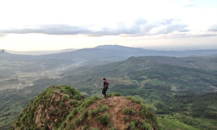 Gunung Batu Bandung, Wisata Menarik Di Lembang Yang Juga Unik