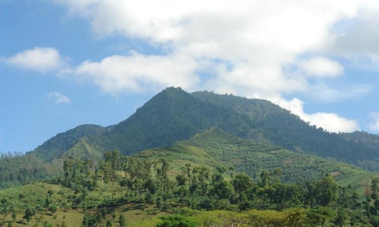 Gunung Manglayang Bandung, Lokasi Dan Harga Tiket Masuk