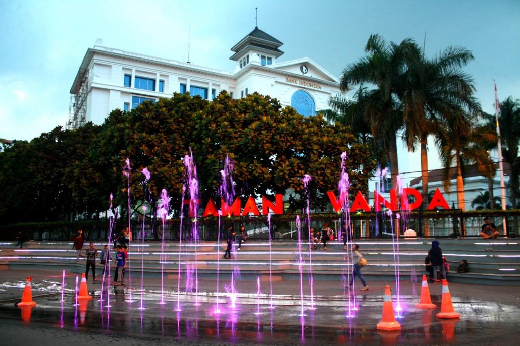 Taman Vanda Bandung keren