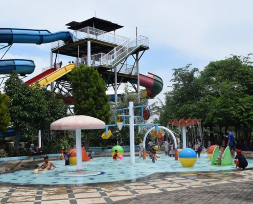 Wahana Tektona Waterpark