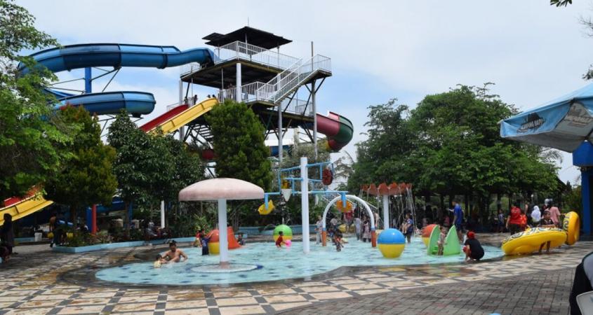 Wahana Tektona Waterpark