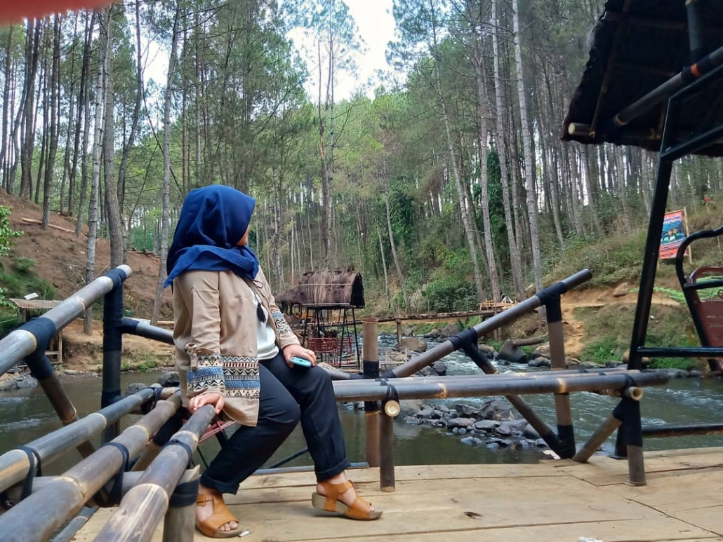 TempatWisata Gratis di Bandung Hutan Pinus Rahong @astri_nursilviani