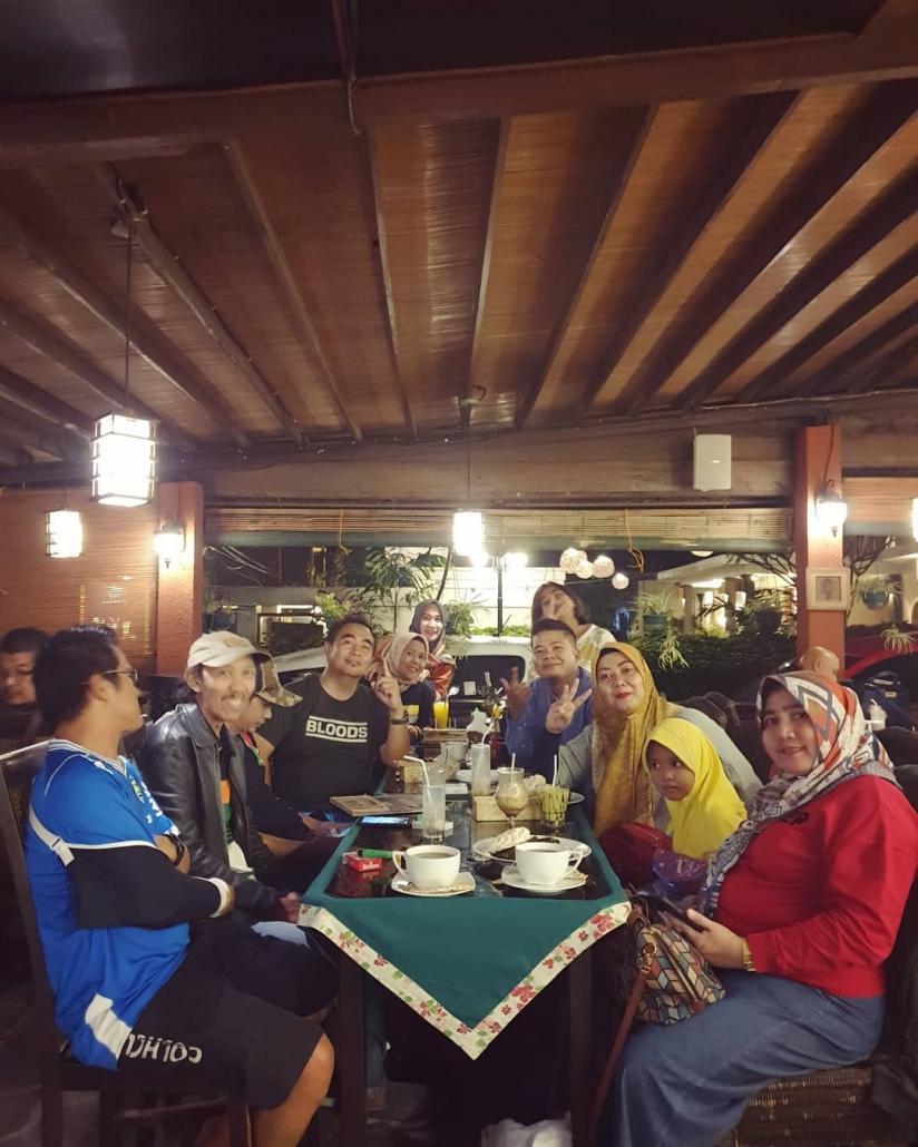 tempat wisata kuliner di bandung Roemah Nenek Resto Café @hamdaniwijayareal