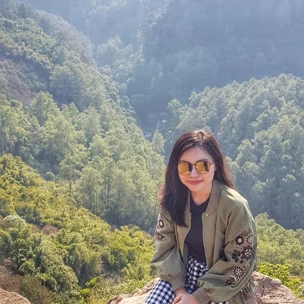 Tempat Instagramable di Bandung Tebing Keraton @christawinalia